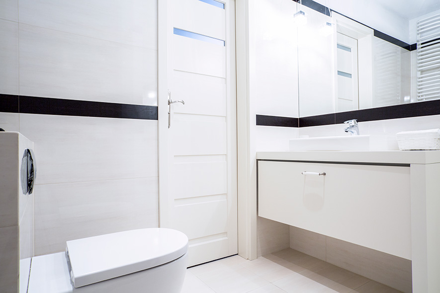 How to pay less than the average cost of a small bathroom for Average cost for small bathroom remodel